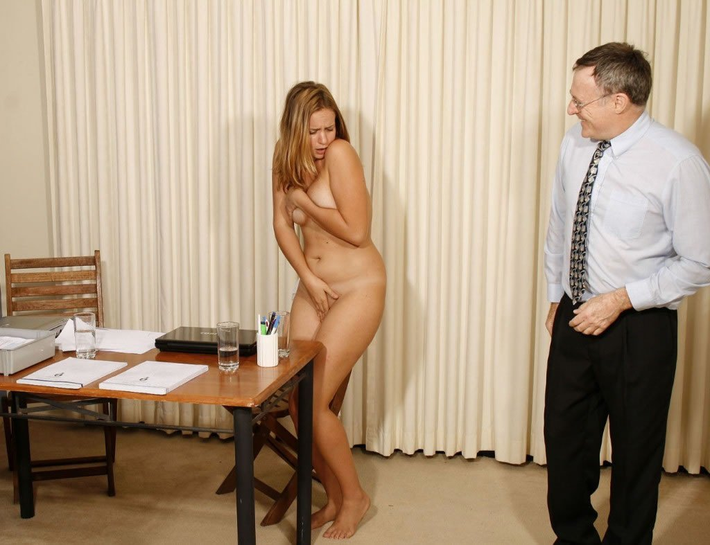 Download Free Hot Gabriela Getting Naked In Gyno Office And Being Humiliated During Gyno